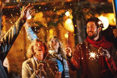 How to Plan a Perfect New Year's Event with Friends